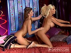 Monica Sweetheart kisses and eats Puma Swede's hot snatch
