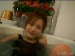 Tsubomi Kanno masturbation in a bathtub part4