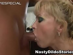 Mature MILF gets asshole fucked part1