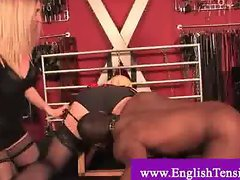 Domina pressures slave to lick experimental lady