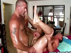 Straight guy gets oiled up during massage