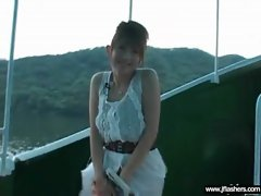 Sexy Teen Japanese Flashing Body In Public movie-23