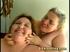 BBW lesbo threesome playing with toys
