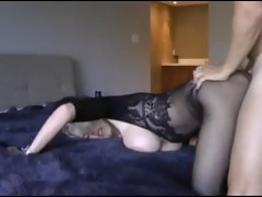 Hot MILF with big tits make a Home video