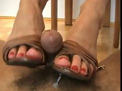 Blond female shoejob