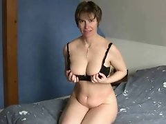 Short haired attractive mature at porn Yeah