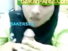 Devout Pakistani hijab Better half in Ebony Burqa licking Puny Four Inch Asian Pakidick